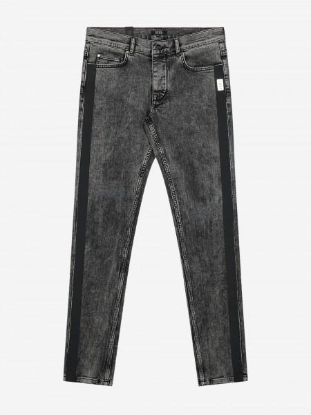 Jeans met wassing en zwarte bies