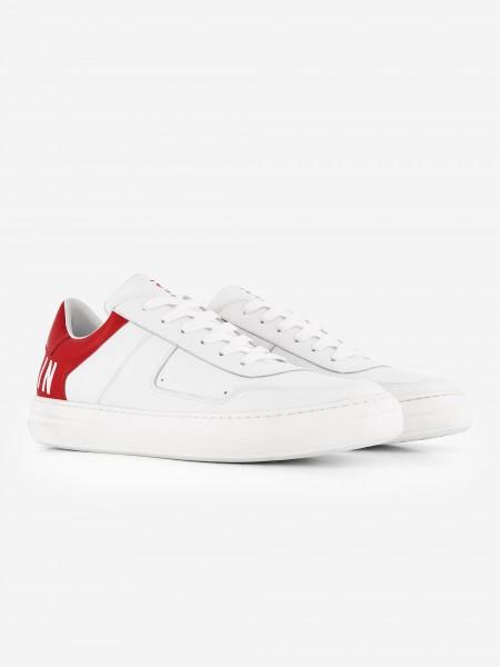 Witte sneaker met rode achterkant